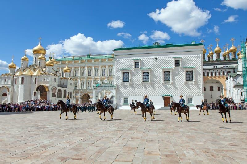 guards kremlin moscow ståtar presidents- royaltyfri bild