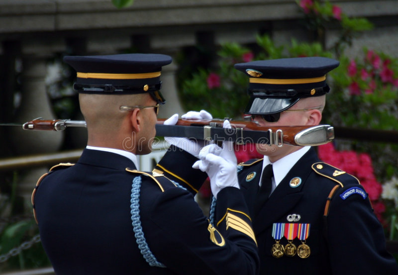 Guards At Tomb Of Unknown Soldiers Royalty Free Stock Photo
