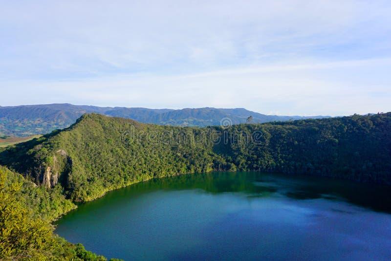 Guatavita, μύθος Ελ Ντοράντο λιμνοθαλασσών της Κολομβίας ή λιμνών στοκ εικόνες