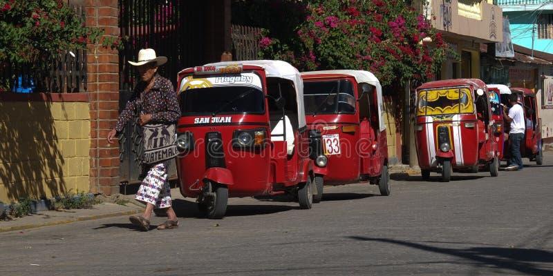 Guatemalan med traditionell kläder. royaltyfri bild