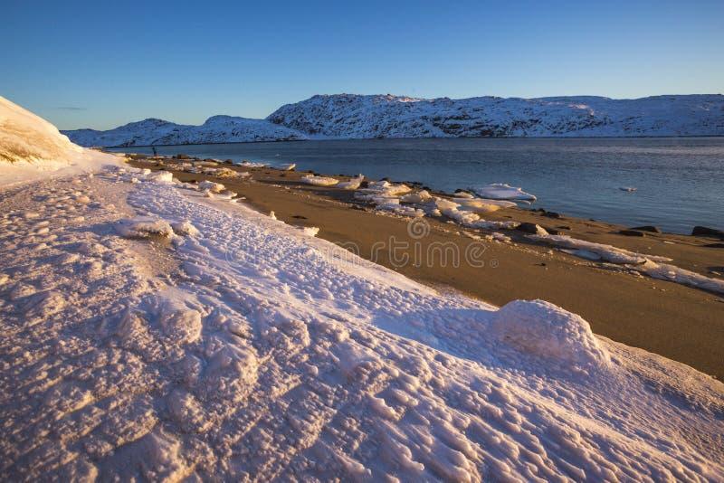 Guba Voronya, Barents morza zatoki zimy krajobraz obrazy royalty free