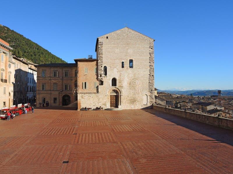 Gubbio, Италия Главная площадь и здание муниципалитет стоковая фотография rf