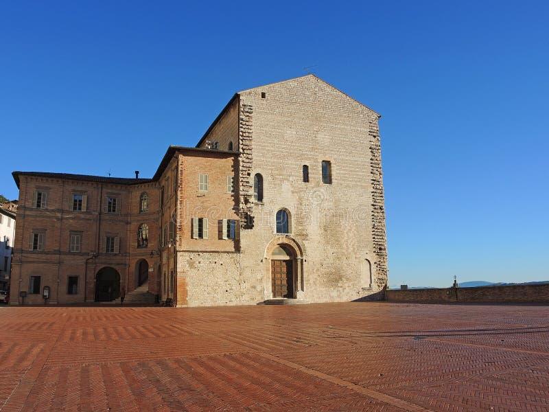 Gubbio, Италия Главная площадь и здание муниципалитет стоковое фото rf