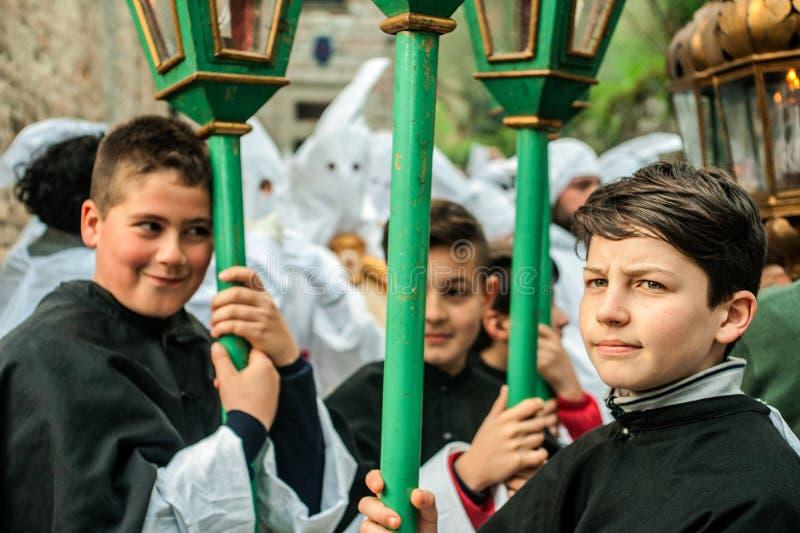 Gubbio, Италия, традиционное шествие пятницы недели пасхи стоковая фотография