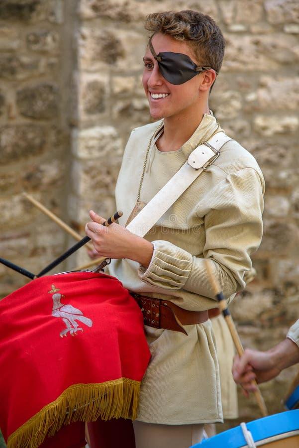 GUBBIO, el 13 de agosto de 2015 - ciudad medieval de Umbría - Italia - foto de archivo libre de regalías