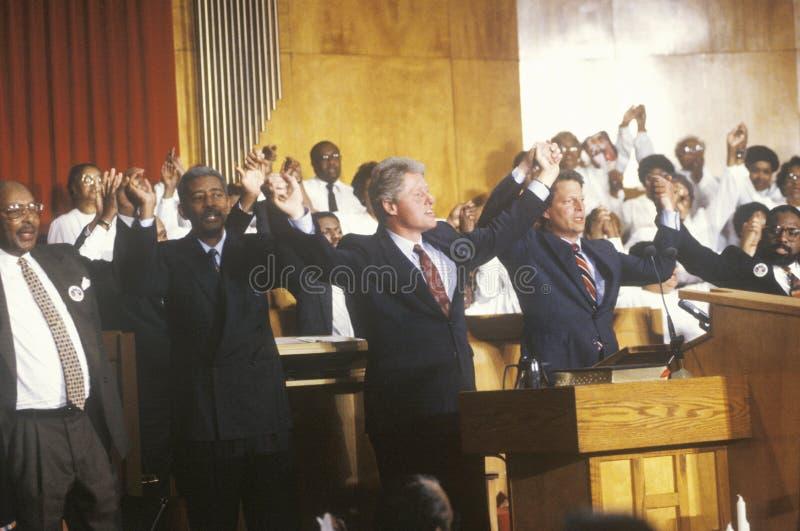 Gubernator Bill Clinton i senator Al Gore uczęszczamy usługa przy Olivet kościół baptystów w Cleveland, Ohio podczas Clinton, krw obrazy stock