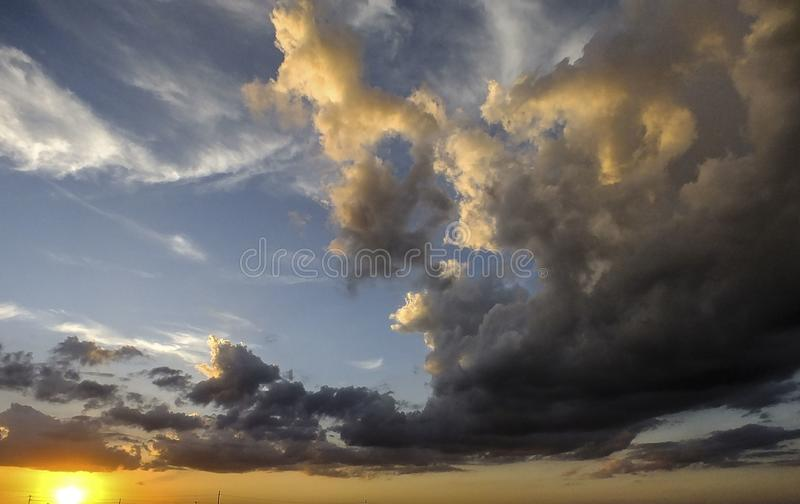 Guden kommer med hans målarfärgborste till Texas royaltyfri bild