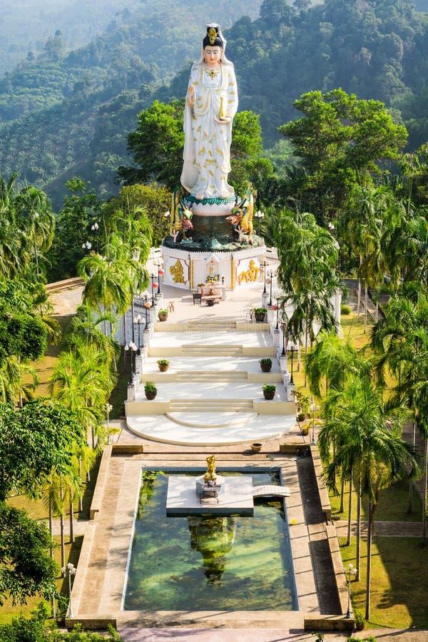 Gudinna av förskoning som är bekant som Quan Yin eller Guan Yin eller Guan Yim royaltyfria foton