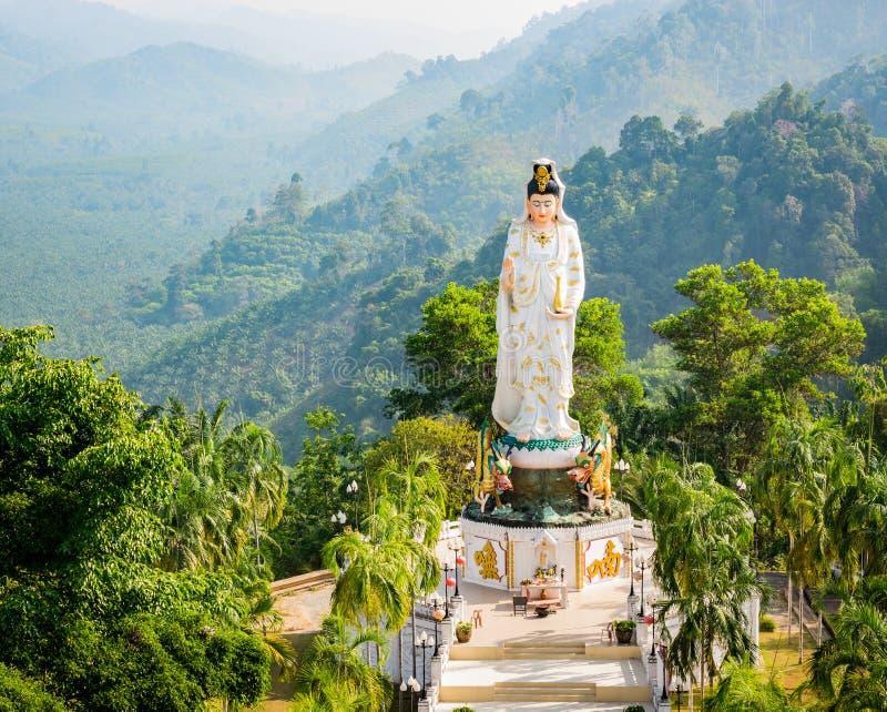 Gudinna av förskoning som är bekant som Quan Yin eller Guan Yin eller Guan Yim royaltyfria bilder