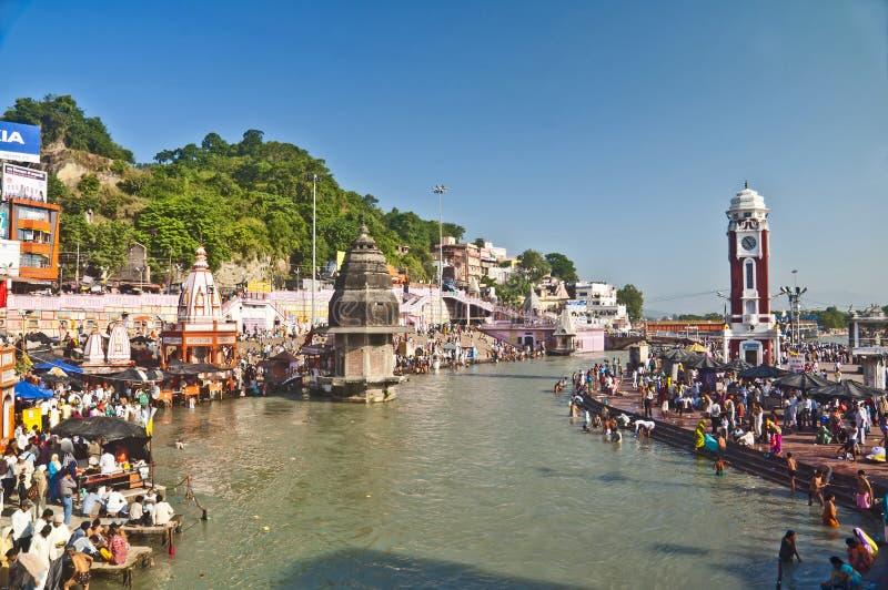 Gudomligt heligt bad på Haridwar royaltyfri fotografi