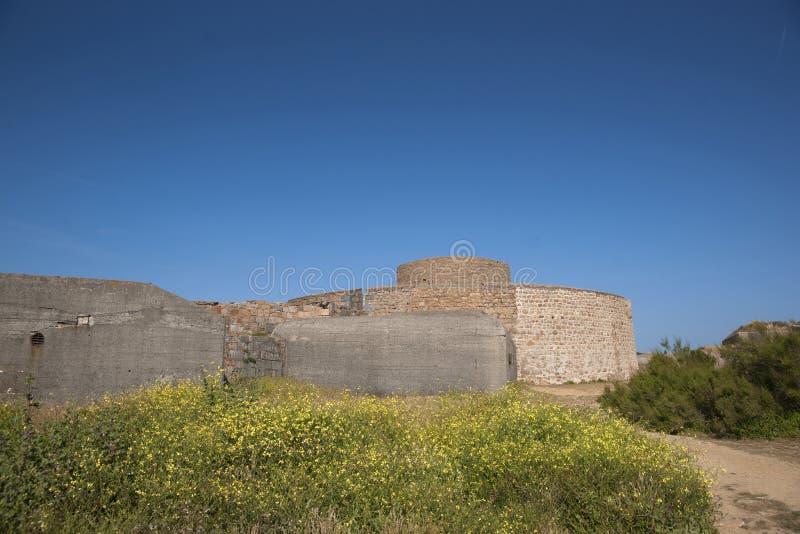 Guernsey UK - Juli 2013, fästning för fortHommet kust- försvar royaltyfria foton