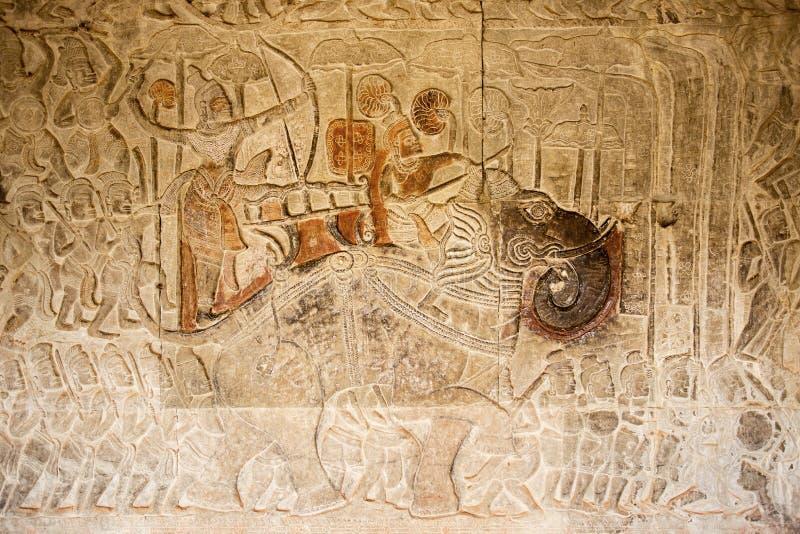 Guerra antigua con desfile del elefante en el alivio, Angkor Wat, Camboya fotografía de archivo