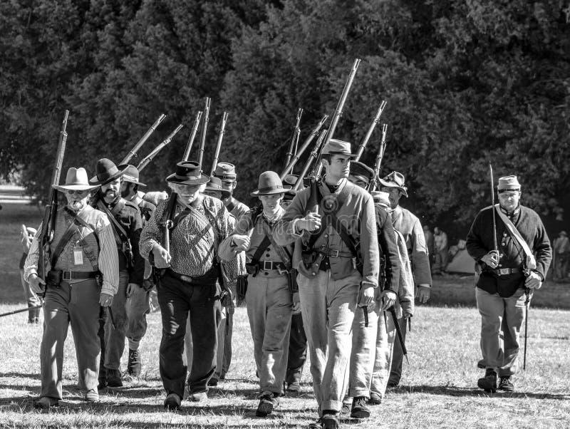 Guerra civil re-enactement em moinhos de Duncans, CA, EUA imagens de stock