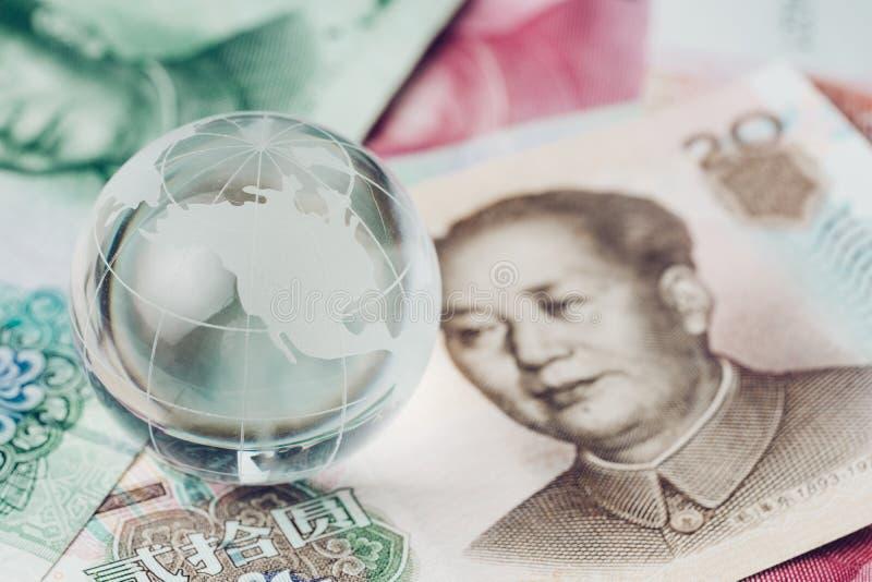 Guerra commerciale della Cina e degli Stati Uniti, tariffa, barriera di imposta, glo di vetro del decoraton fotografia stock