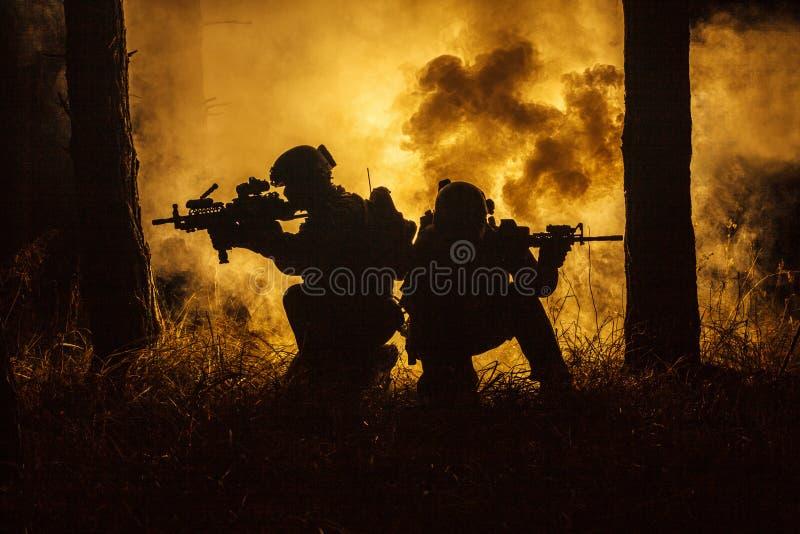 Guerra na floresta imagens de stock royalty free