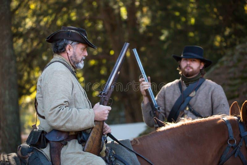 Guerre civile américaine Reenactors dans des uniformes confédérés photographie stock
