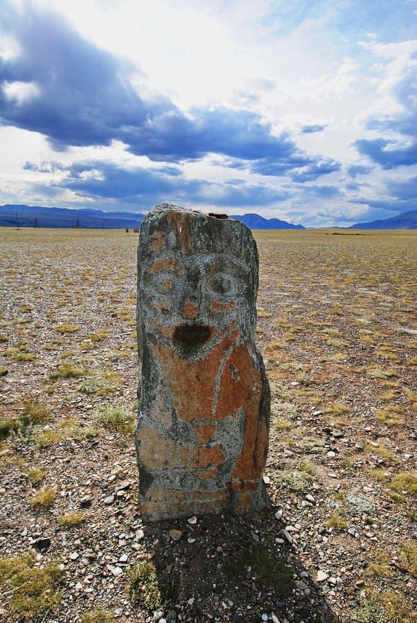 Guerreiro de pedra no deserto imagem de stock royalty free