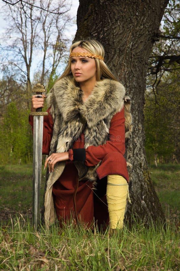Guerrero de la muchacha de Vikingo fotos de archivo libres de regalías