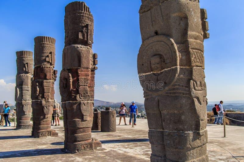 Guerreros de Toltec - Atlantes imagen de archivo