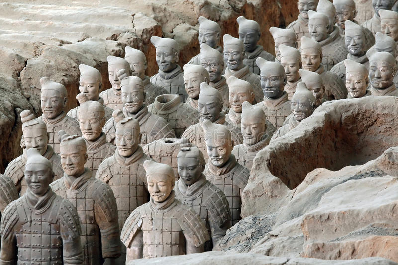 Guerreros famosos de la terracota en Xian, China imagenes de archivo