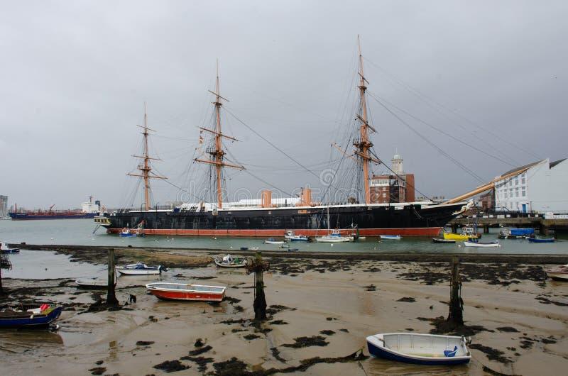 Guerriero di HMS nel porto di Portsmouth immagine stock
