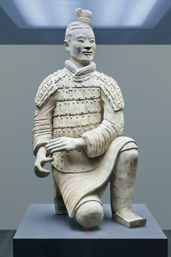 Guerriero visualizzato in un museo, Xian, Cina di terracotta immagini stock libere da diritti