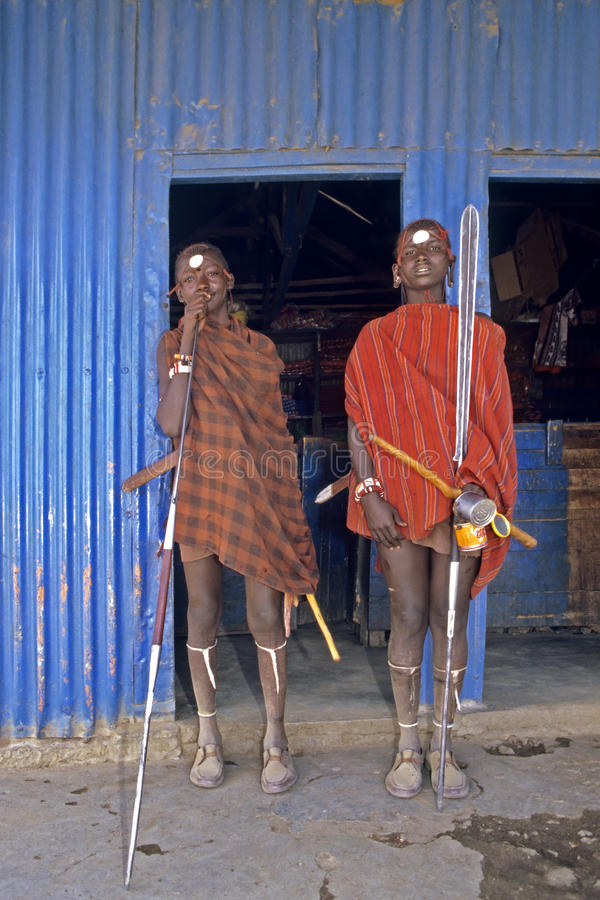 Guerriers de Maasai de portrait de groupe, Kenya photos stock