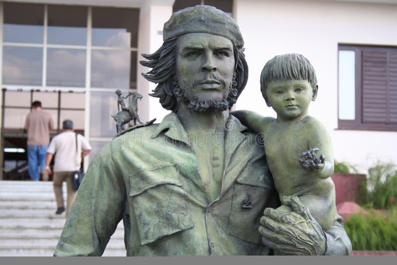 Guevara-Statue mit einem Kind lizenzfreies stockbild