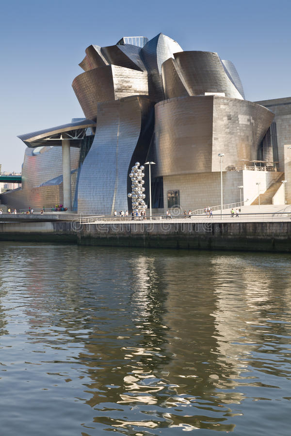Download Guggenheim Museum Bilbao editorial stock photo. Image of museum - 26537713