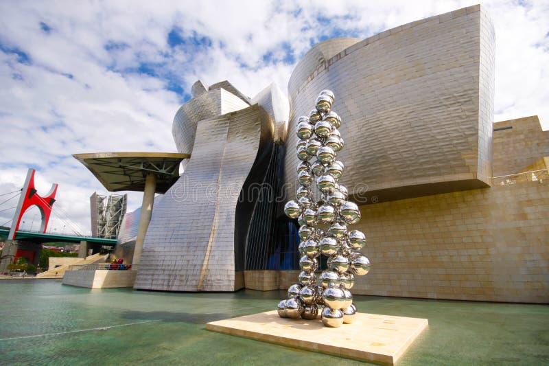 Download Guggenheim museum i Bilbao redaktionell arkivbild. Bild av soligt - 27280787