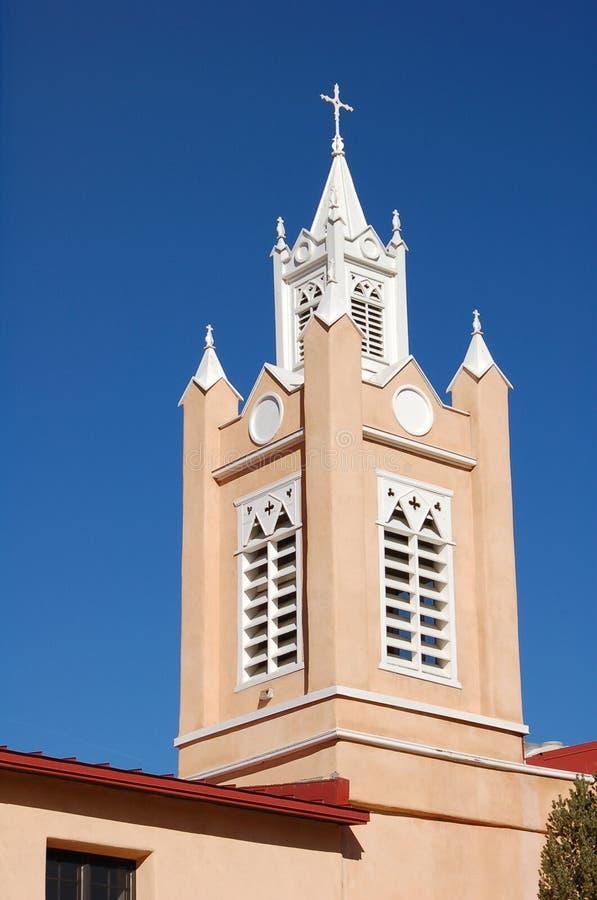 Guglia della chiesa nel New Mexico U.S.A. fotografia stock