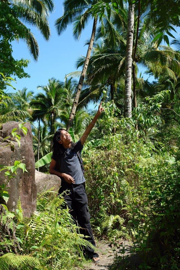 Guia da aventura na selva fotos de stock royalty free