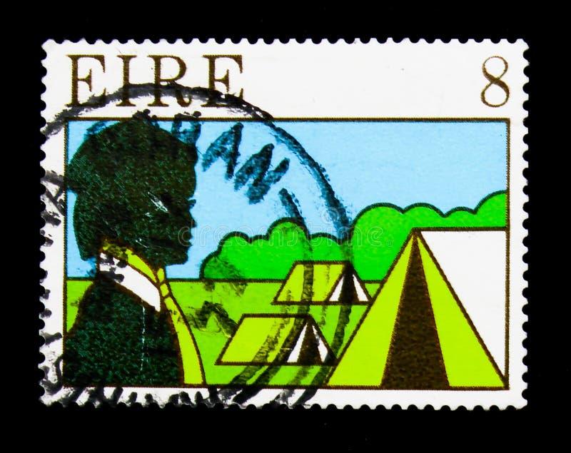 Guia e barracas, escuteiros e serie de guiamento, cerca de 1977 imagens de stock