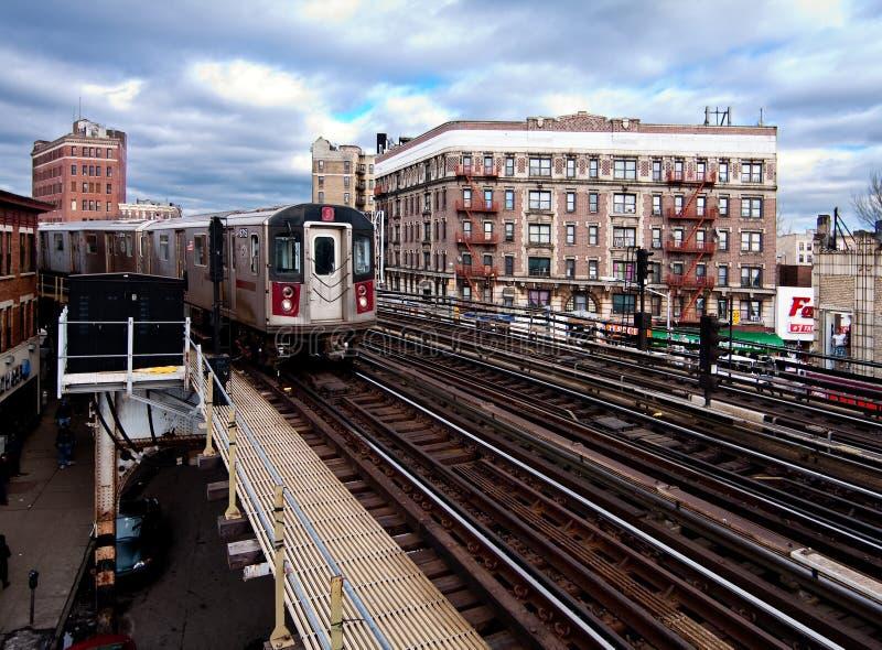 Guida della metropolitana di NYC attraverso il Bronx fotografia stock libera da diritti