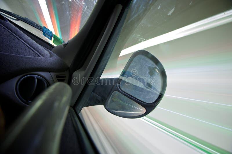 Guidando in un traforo immagine stock
