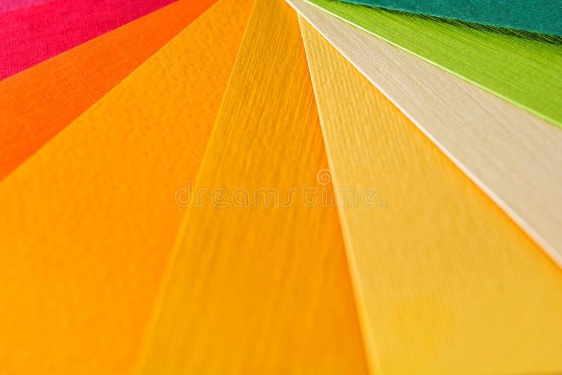 Guide de palette de couleur Le papier texturisé coloré prélève le catalogue d'échantillon Couleurs lumineuses et juteuses d'arc-e images libres de droits
