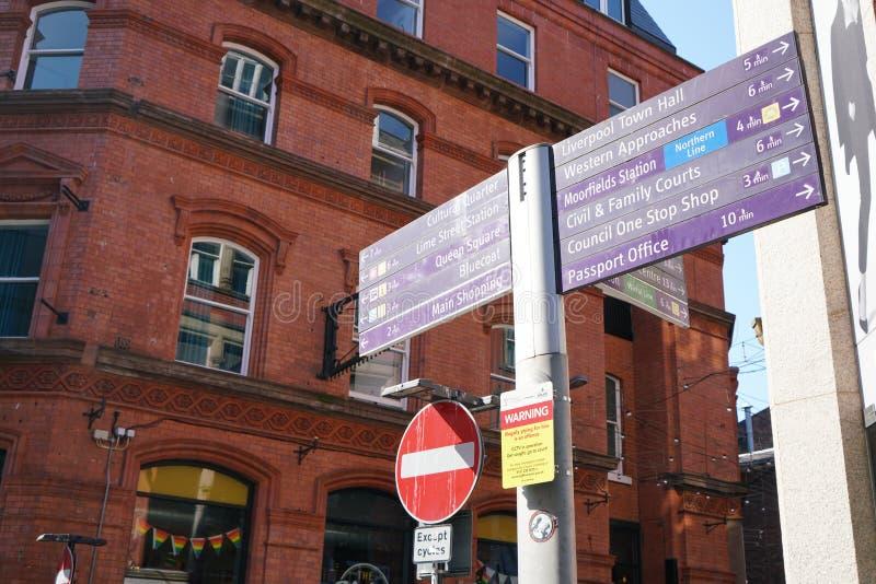 Guidepost на улице Стэнли в Ливерпуле стоковое фото