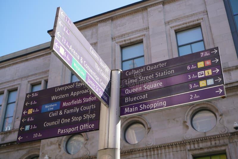Guidepost на улице Стэнли в Ливерпуле стоковые фото