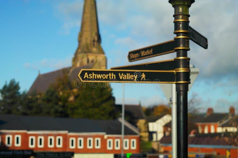 Guidepost Heywood около городского центра стоковое изображение
