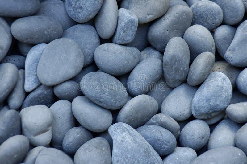 Guijarros o piedras grises fotos de archivo libres de regalías