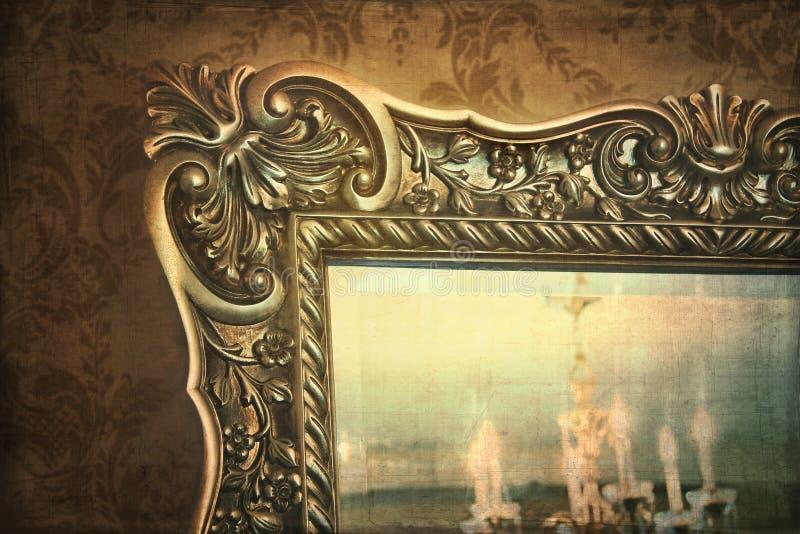 guilded spegelreflexion royaltyfri fotografi