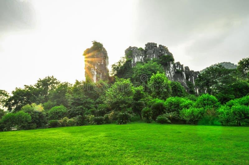 Guilin Chiny Siedem Gwiazdowy park Yangshuo i kras. obraz stock