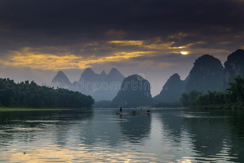 Guilin Yangshuo Li River en bergen China stock foto's