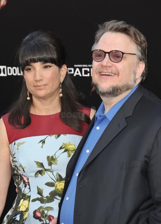 Guillermo del Toro y Lorenza Newton foto de archivo