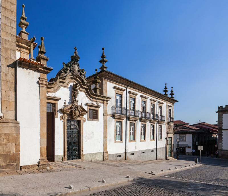 Guimaraes Portugal - Lar de Santa Estefania, en religiös institution som arbetar som ett barnhem royaltyfri bild