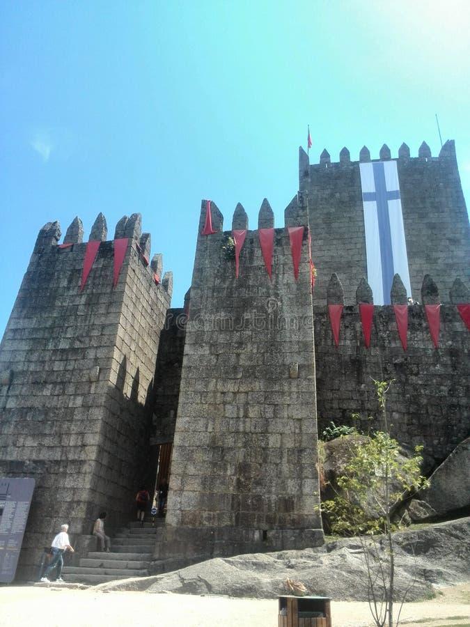 Guimaraes slott i Portugal royaltyfri fotografi