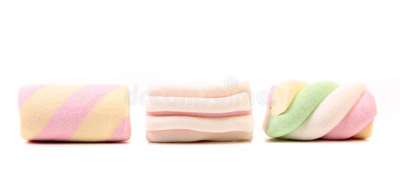 Guimauve trois colorée différente. Fin. image stock