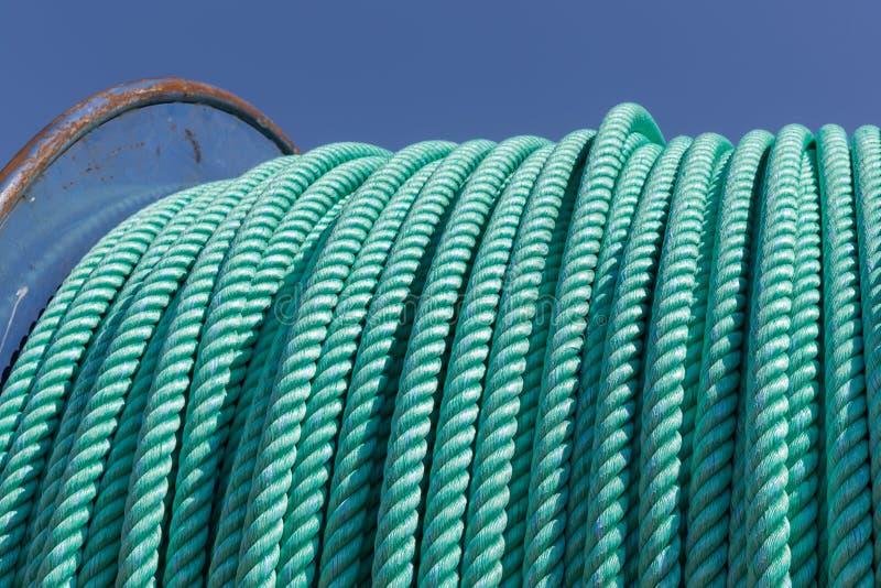 Guincho grande da pesca com corda de nylon imagem de stock