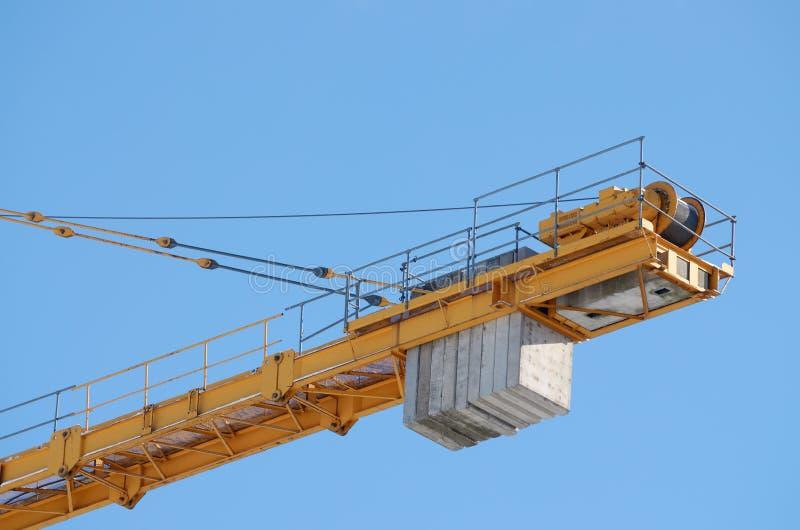 Guindastes de torre na construção fotografia de stock royalty free