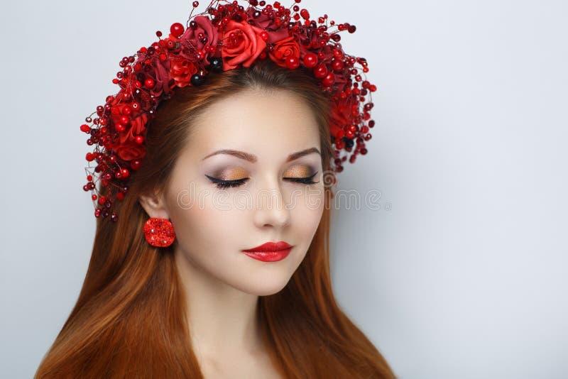 Guirlande rouge de fleurs photographie stock